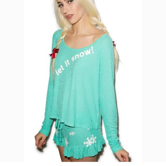 Wildfox Christmas Pajamas.Nwt Wildfox Let It Snow Christmas Pajama Set M Nwt